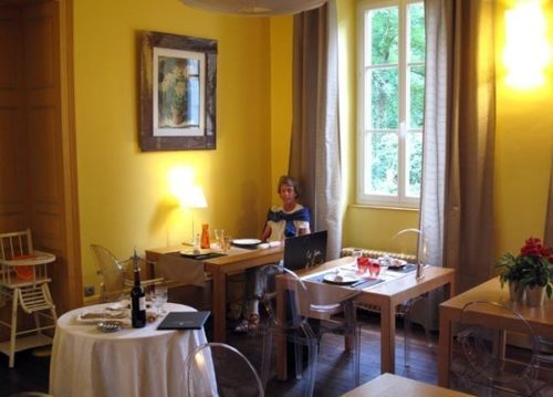 Walking in France: The dinning room of Les Estonneries