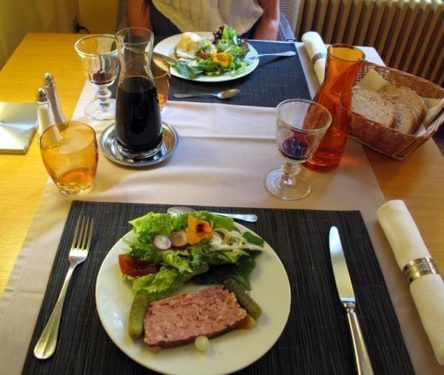 Walking in France: Our entrées: terrine and salad, and a chèvre chaud