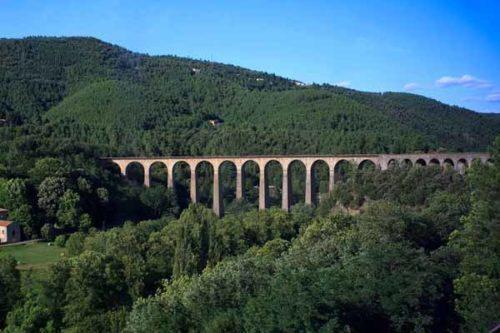 Walking in France: The Chamborigaud railway viaduct