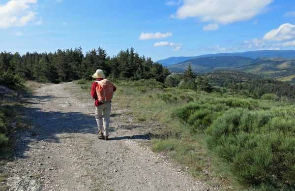 Walking in France: Beautiful views from the top of the ridge