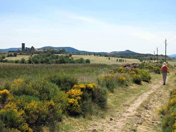 Walking in France: Approaching la Garde-Guérin