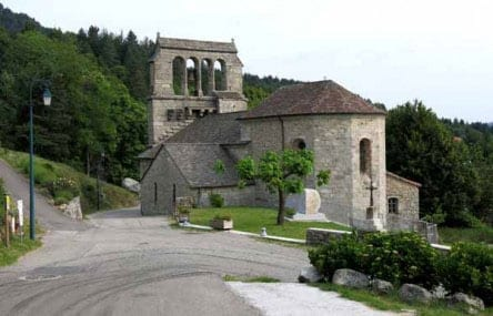 Walking in France: Leaving Concoules and its church