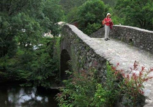 Walking in France: Crossing the actual Pont de Rastel