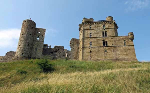 Walking in France: Passing under the castle of Portes