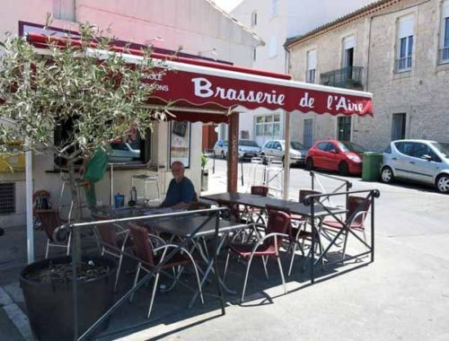 Walking in France: Out of the sun at the Brasserie de l'Aire