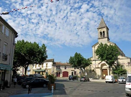 Walking in France: Générac's main square