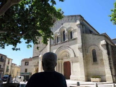 Walking in France: View from the bar, Fabrègues