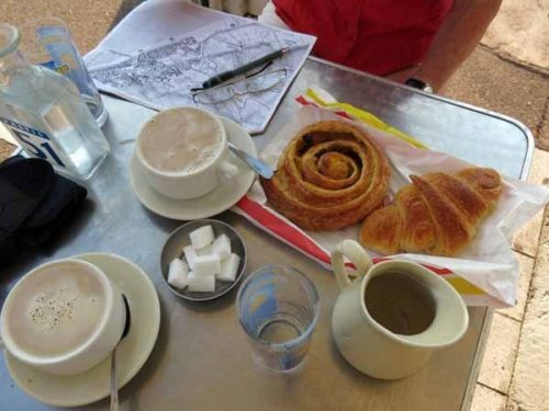 Walking in France: An excellent second breakfast, Narbonne Plage