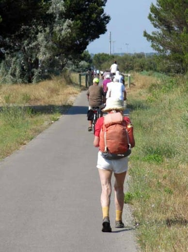 Walking in France: Getting crowded on the path