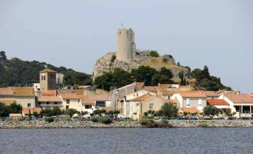 Walking in France: Gruissan's ruined tower