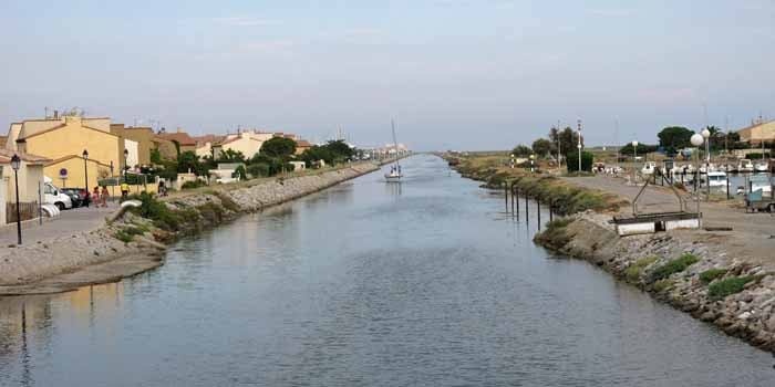 Walking in France: Canal to the Mediterranean
