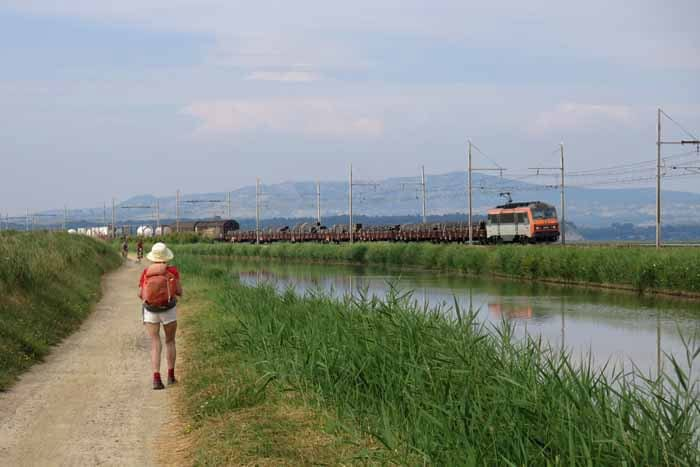 Walking in France: The dry mountains of the Cathar Way from the canal