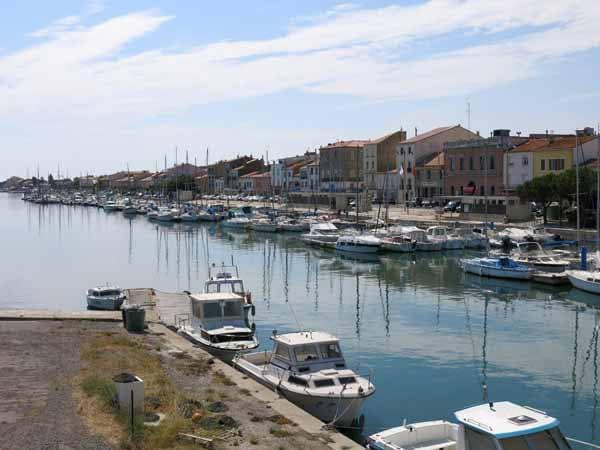Walking in France: Boat harbour at Port-la-Nouvelle