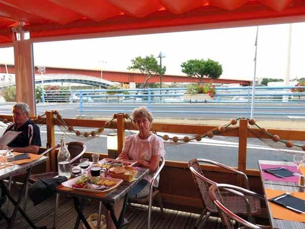Walking in France: Dinner at the Hôtel du Port,, Port-la-Nouvelle