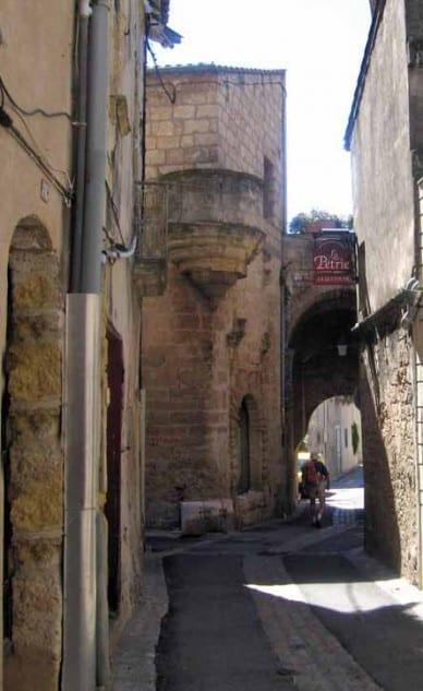 Walking in France: Arriving in Loupian