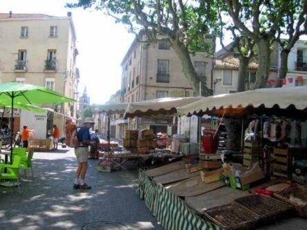 Walking in France: Serignan market