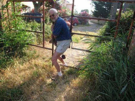 Walking in France: Leaving the Domaine du Petit Tournebel