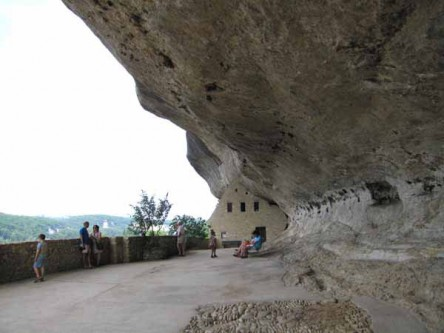 Walking in France: Rock shelter, les Eyzies