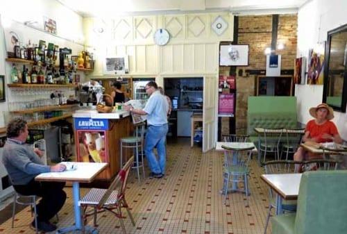 Walking in France: Second breakfast in the Café Lorrain