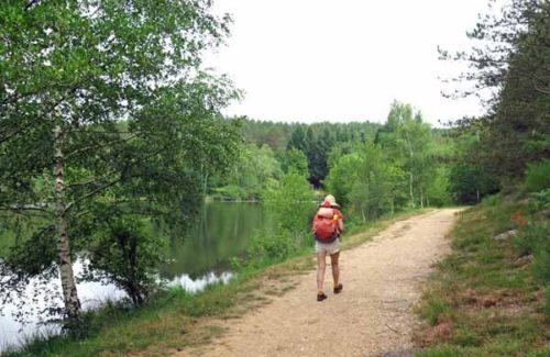 Walking in France: The artificial lake of the Sagnes