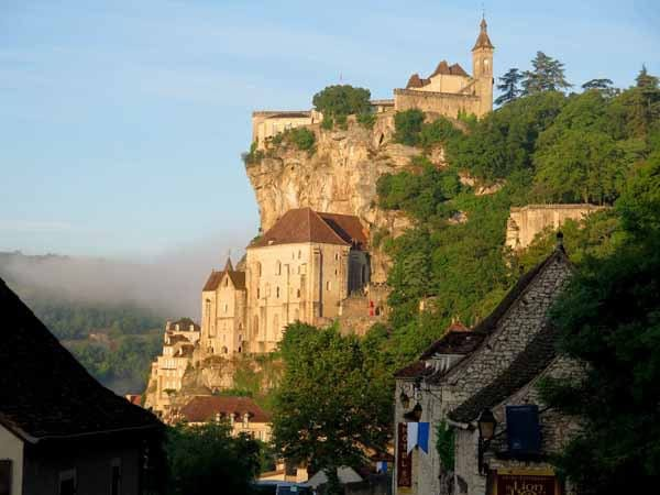 Walking in France: The descent to Rocamadour on the Voie Sainte