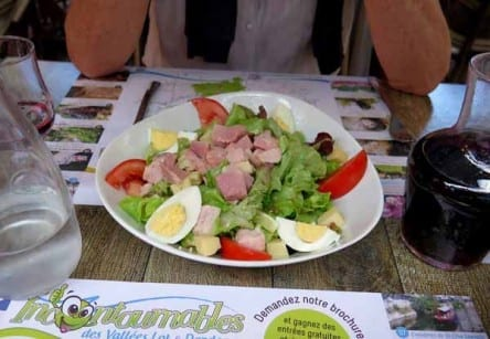 Walking in France: Starting with salades Parisiennes