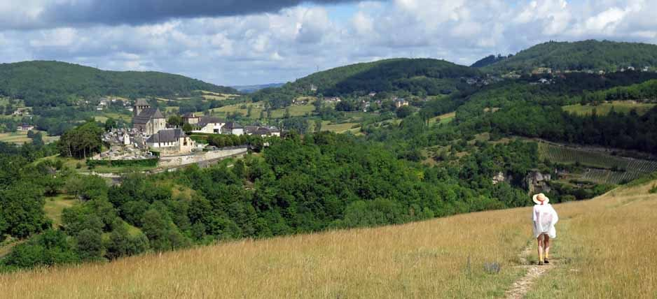 Walking in France: Chasteaux across the Couze valley
