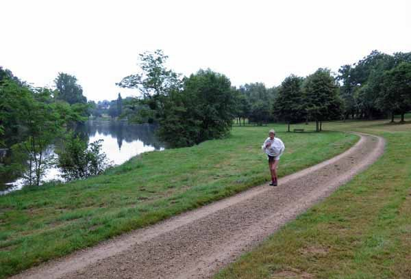 Walking in France: Leaving Aixe-sur-Vienne on the GR654