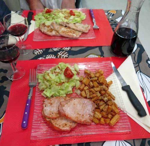 Walking in France: Pork steaks at la Petite Flamenca