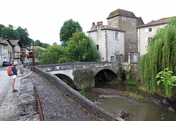 Walking in France: Ancient stone bridge over the Goire river