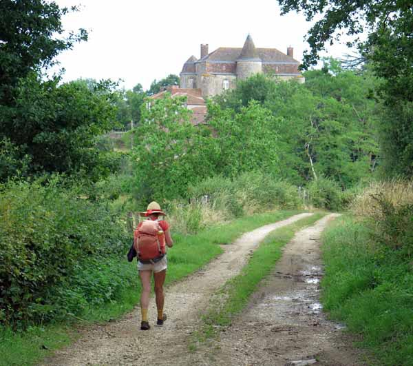 Walking in France: The château of Fayolle