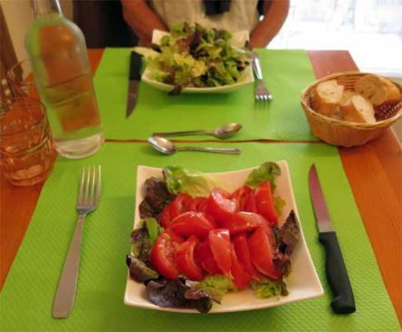Walking in France: A green salad and a tomato salad to start