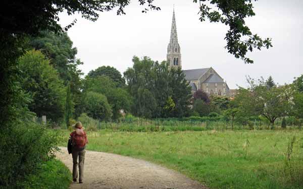 Walking in France: The church of St-Martin-la-Rivière