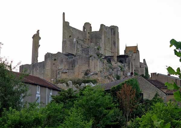 Walking in France: The gaunt cité médiévale hanging over the camping ground, Chauvigny