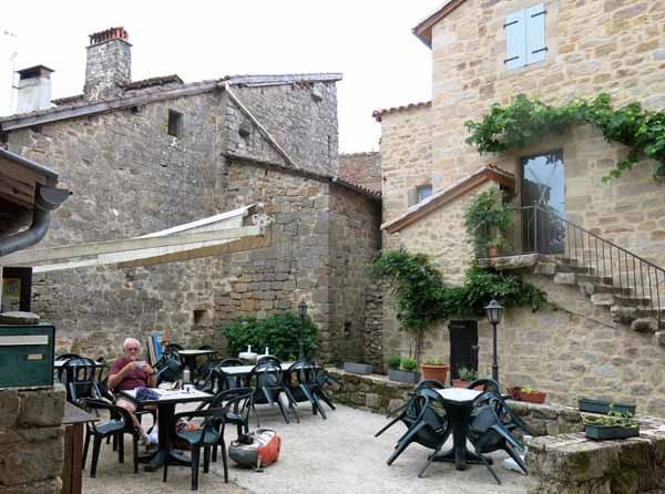 Walking in France: On our best behaviour in Cardaillac