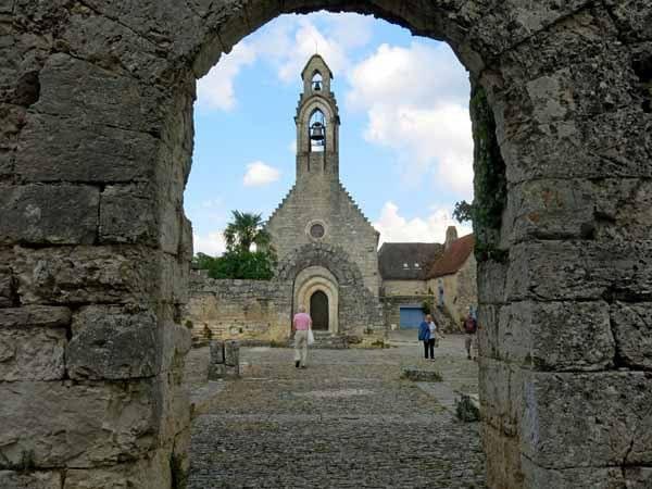 Walking in France: The ruins of the pilgrim's refuge, l'Hospitalet