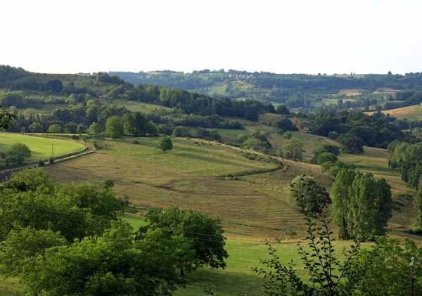 Walking in France: Fields below St-Robert