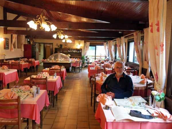 Walking in France: The dining room of l'Emeraude, Confolens