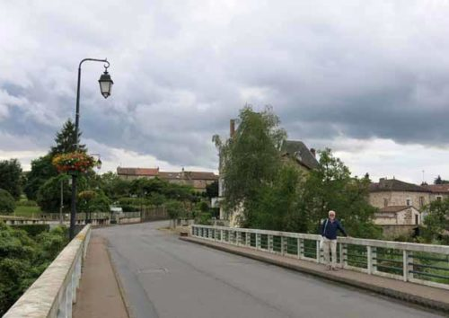 Walking in France: Crossing the Vienne to explore Availles-Limouzine