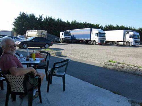 Walking in France: Saved by a truckie's restaurant in la Celle-St-Avant