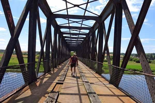 Walking in France: Crossing the Vienne on an old railway bridge, L'Île-Bouchard