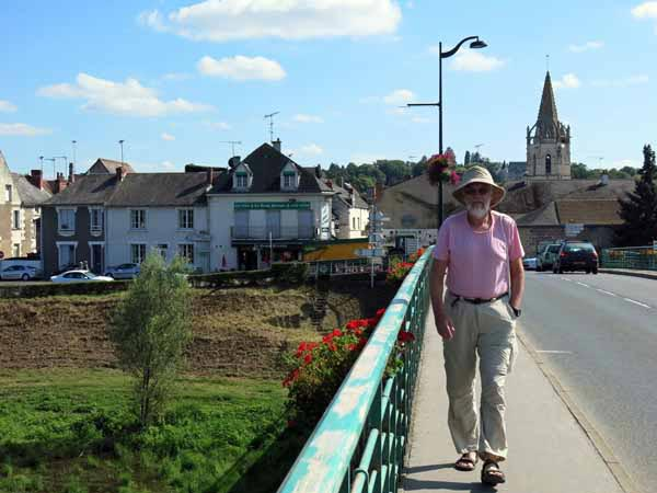 Walking in France: Crossing to the island