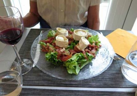 Walking in France: Salade de chèvre chaud to start our dinner