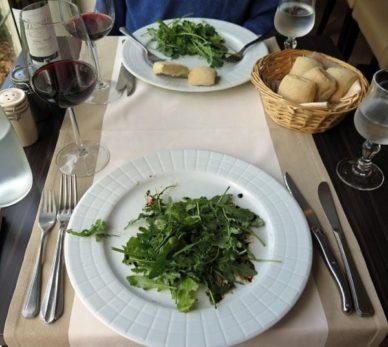 Walking in France: Tiny entrées