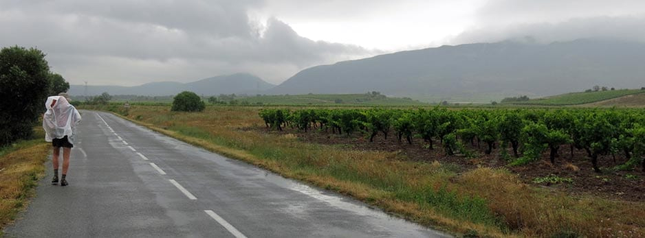 Walking in France: In the valley of the Orbieu with a maladjusted rain cape