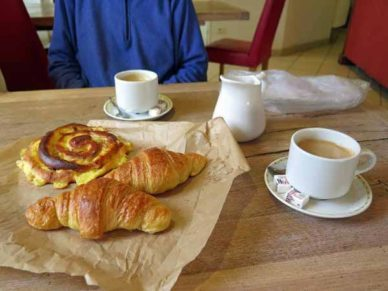 Walking in France: Breakfast at the Hotel du Commerce, Pouilly-en-Auxois