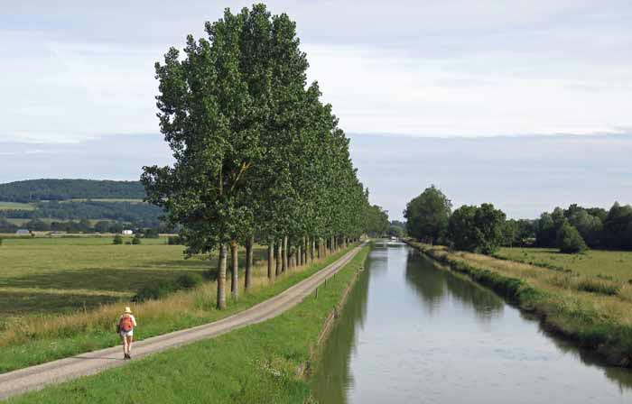 Walking in France: Approaching the turn off to Vitteaux, Canal of Burgundy