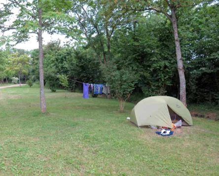 Walking in France: Installed in the Vitteaux camping ground