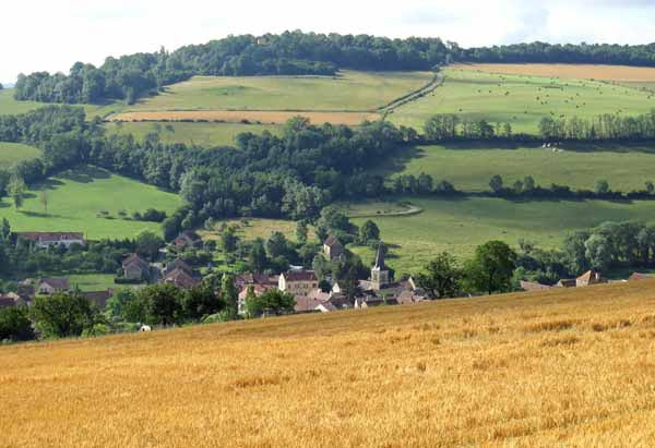 Walking in France: Looking back on Arnay-sous-Vitteaux