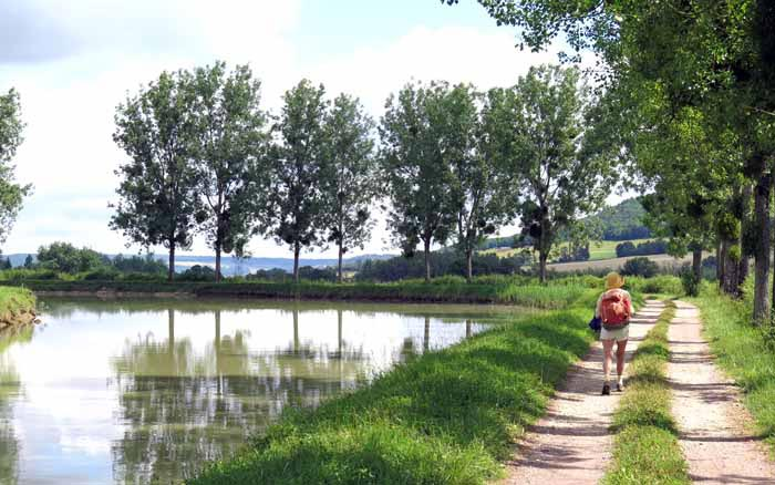 Walking in France: Back on the Canal of Burgundy